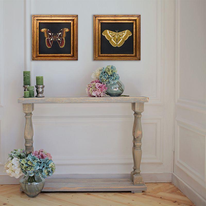 Rincones consola con cuadros de mariposas